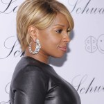 "Mary J. Blige attends the launch of Lorraine Schwartz's ""2BHAPPY"" jewelry collection at Lavo NYC on November 22, 2010 in New York City."