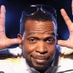 luther_campbell(2011-thumbs-in-ears-clowning-med-wide)