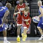 all_star(2011-justin-beiber-runs-floor-med-wide)