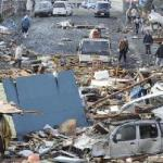 japan_earthquake(2011-devastation-cars-wide-big)