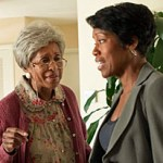 """Southland"" -- Marla Gibbs and Regina King in ""Underwater"" / Episode 402"