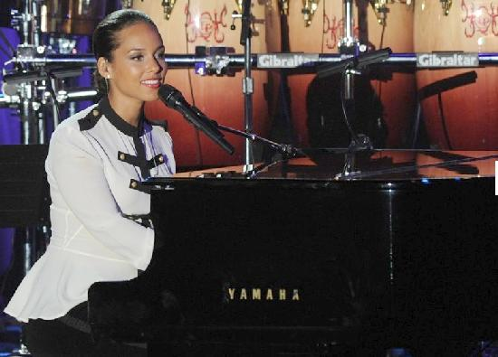 pre grammy party (alicia keys)