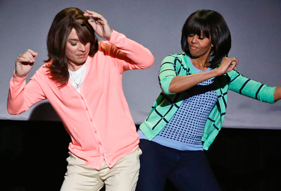 michelle obama &amp; jimmy fallon (mom dancing)