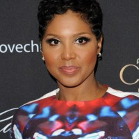 Toni Braxton to Star in Lifetime Biopic 'Un-Break My Heart'