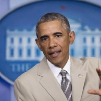 Pres. Obama Ignites Fashion Freakout Over Tan Suit From Twitterverse (Watch)