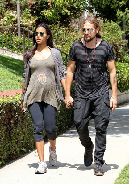 Zoe Saldana and Marco Perego visit friends. (August 19, 2014)