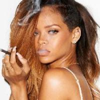 Hackers Release Rihanna Nude Pics