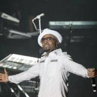 Teddy Riley Pays Tribute to Johnny Kemp on Tom Joyner Cruise (Watch)