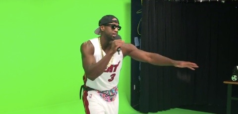"""Dwyane Wade lip-syncs """"This Is How We Do It"""""""