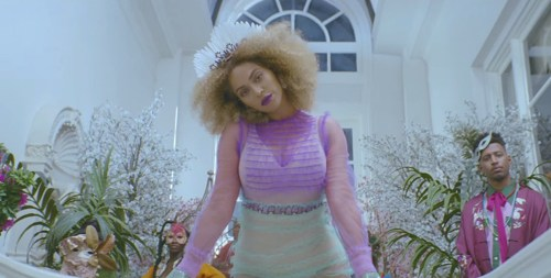 Beyonce-Formation-Video-hair-styles-BLOG-03-YOU-TUBE