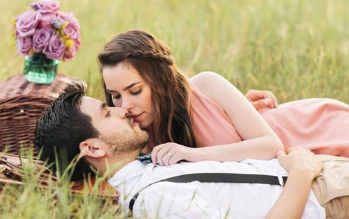Romantic Love Sms Shayari In Hindi For Gf Bf