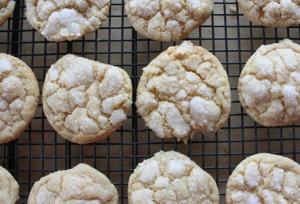 Crispy & Chewy Sugar Cookies