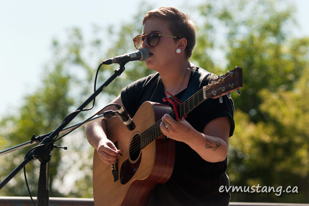 image of evangeline gentle at the peterborough folk festival