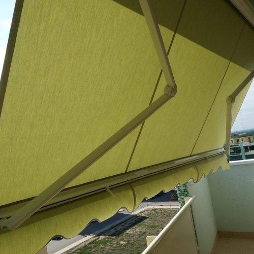 tenda-da-sole-a-bracci-estensibili