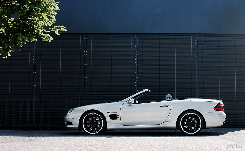 Mercedes benz sl55 amg r230 review buyers guide for Best time of year to buy a mercedes benz