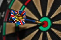 darts-target-bulls-eye-delivering-play-darts