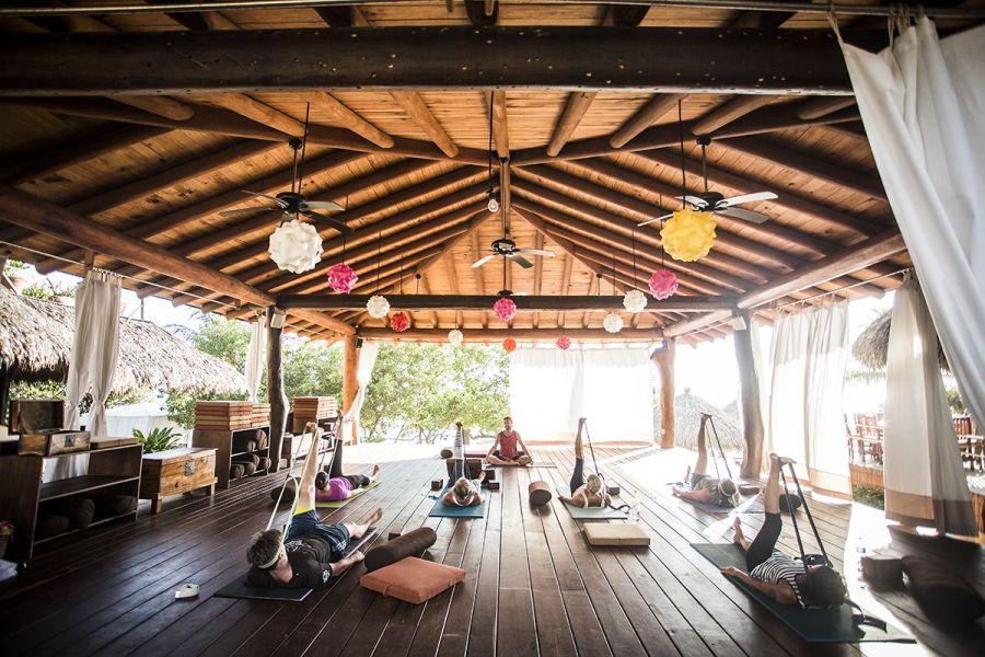 gentle-yoga-by-dagan-beach-_-beach-_-ocean-view-_-boutique-hotel-_-spa-resort-_-yoga-retreat-_-restaurant-_-playa-troncones-mexico-_-chris-hannant-photography