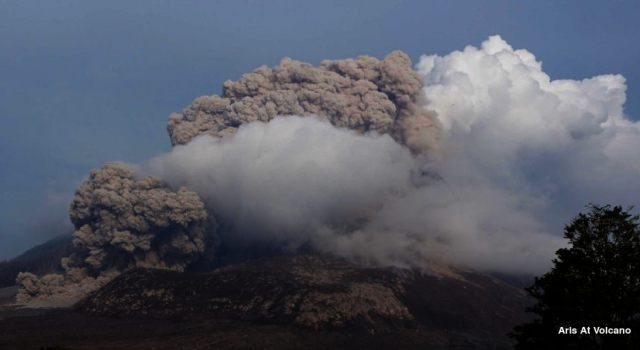 Mount Sinabung made Pyroclastic Flows on October 2014