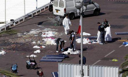 Atentado na França deixa mais de 70 mortos
