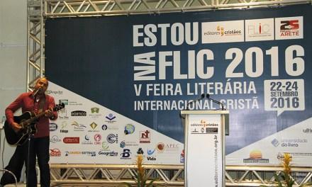 Começa a V Feira Flic: líderes cristãos acompanharam palestras e interagem em São Paulo