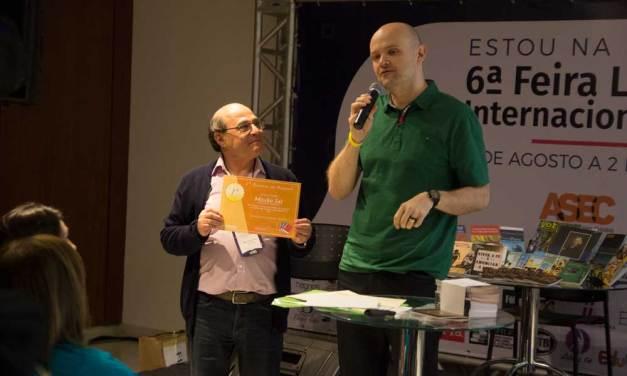 No Cenáculo premia 3 projetos com um total de 2.250 exemplares através de concurso