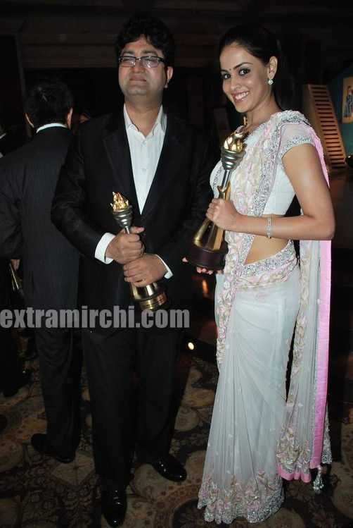 Genelia-dsouza-at-CNBC-Awaaz-Consumer-Awards-5.jpg