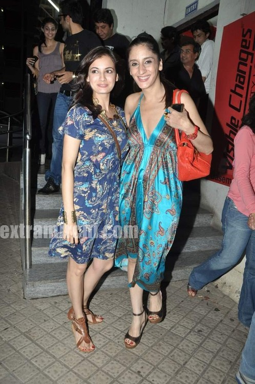 Dia-Mirza-at-Hate-Luv-Story-special-screening-2.jpg