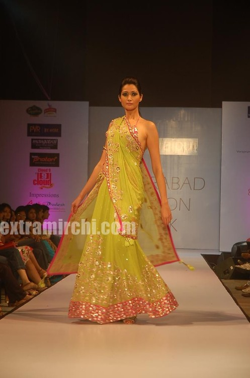 Fashion-models-at-Hyderabd-Fashion-Week-5.jpg