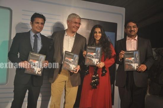Vidya-Balan-unveils-Mercedes-Magazine-5.jpg