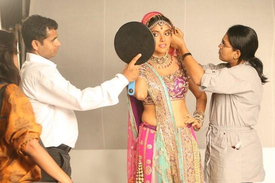Ready-Salman-Khan-and-Asin-shooting-with-Haider-Khan-4.jpg