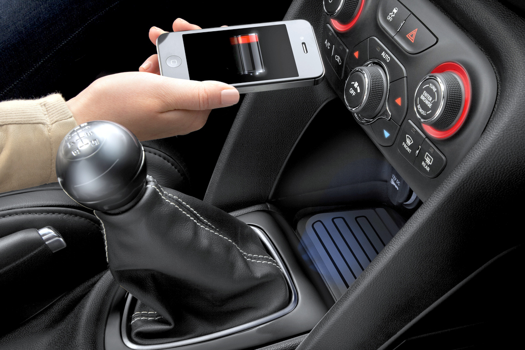 Fuse Box Chrysler First To Offer Wireless In Car Phone Charging In
