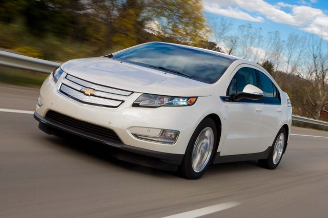 2013 Chevrolet Volt review Great daily commuter car, but sticker