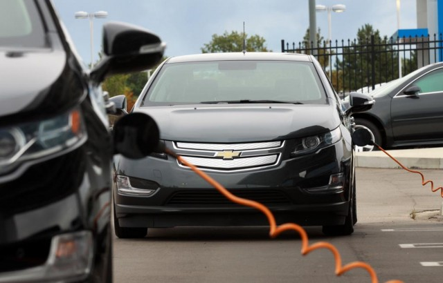 Why do electric cars suck in cold weather? - ExtremeTech
