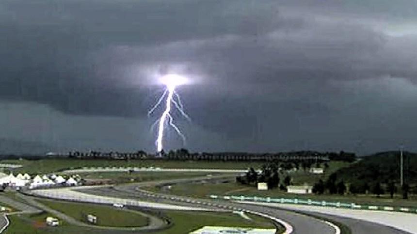 malaysia15_lightning-1680x720