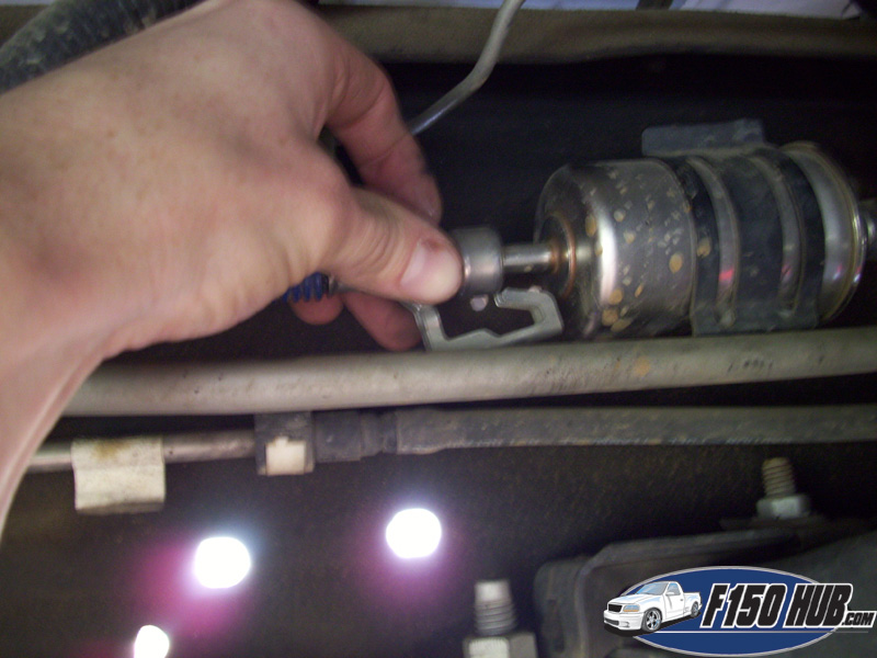 1997-2003 Ford F-150 Fuel Filter Replacement