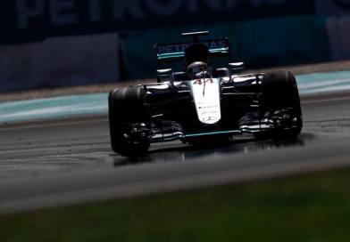 F1 | GP Malesia: Hamilton fa pole e record