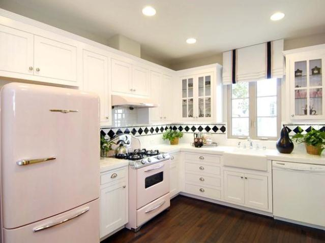 How to decorate l shaped kitchens for Retro kitchen designs rustenburg
