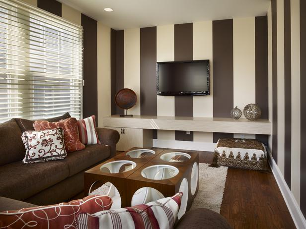 Brown Living Room Wall Ideas - red and brown living room