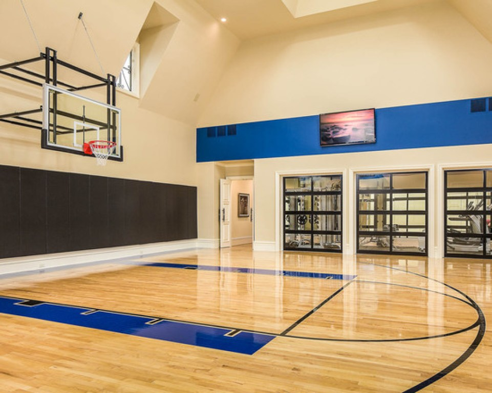 10 basement basketball court ideas for Basketball court at home
