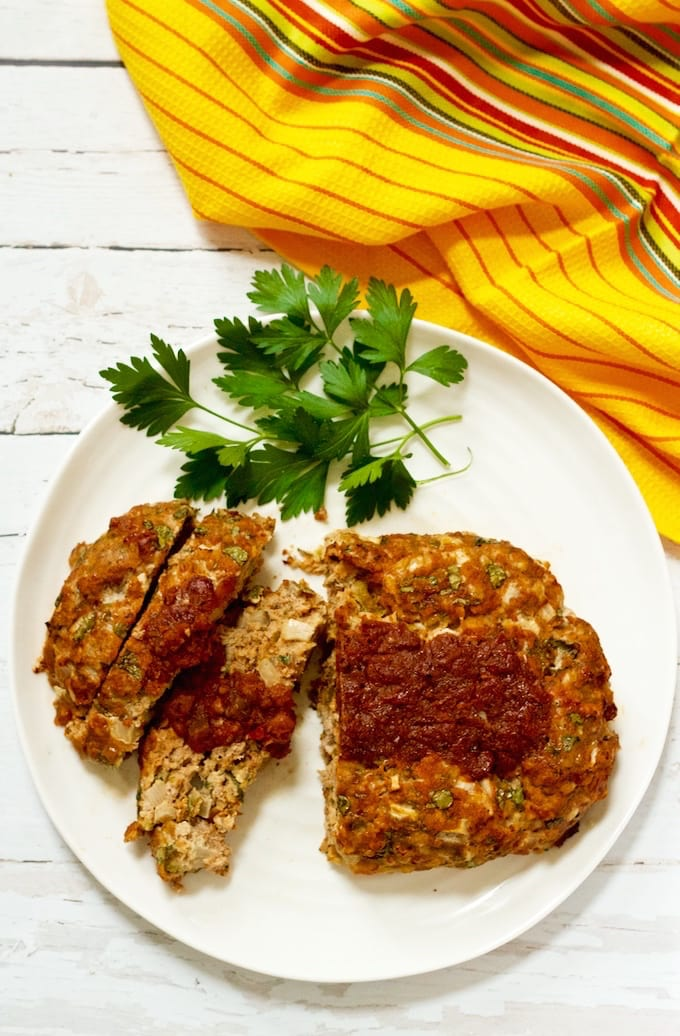 An easy, 1-bowl healthy Mexican ground turkey meatloaf with cheese, chilies and salsa! | FamilyFoodontheTable.com