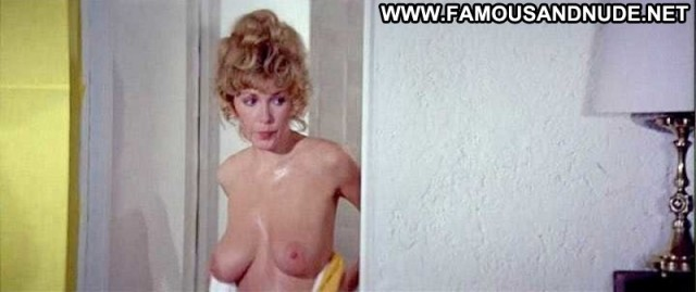 Stella Stevens Nude Sexy Scene Slaughter Bathroom Shower Ass