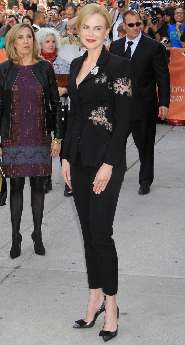 Nicole Kidman High Resolution Beautiful Posing Hot Babe