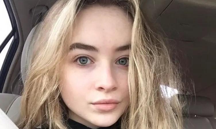 Sad Smile Girl Wallpaper Sabrina Carpenter Prelepa I Bez Trunke Minke Famoza Net