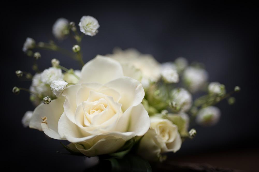 Détail des fleurs d'un mariage en auvergne par le fleuriste Stéphane Chanteloupe à Gerzat, champion de france 2011.