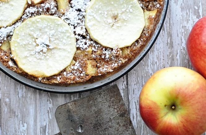 Fresh and Festive eZine Apple Bourbon Cake | farmgirlgourmet.com #stemilt #freshfestive