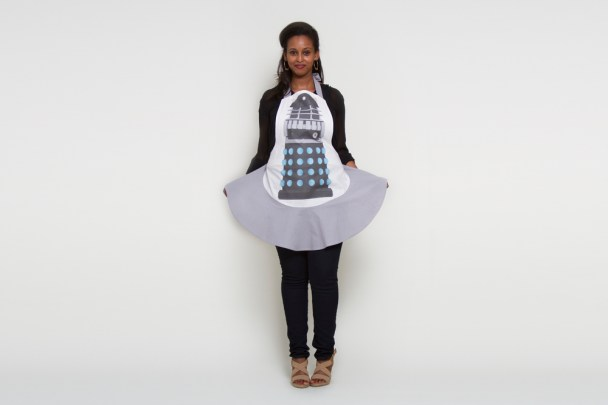 Dalek_Apron_Hostess_Crop