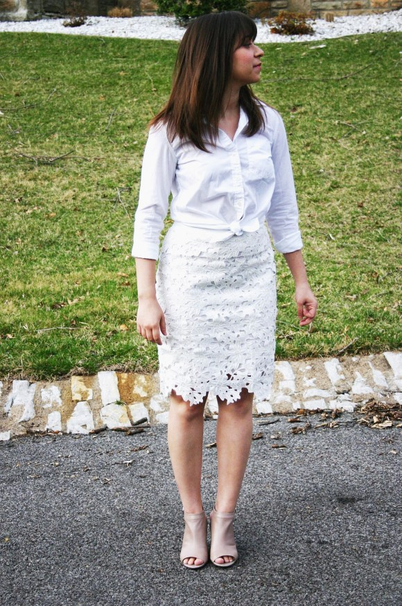 Jeanne FBC Banana Republic Dillon White Button Down Shirt Ann Taylor Lace Skirt Taupe Peep-Toe Booties 6