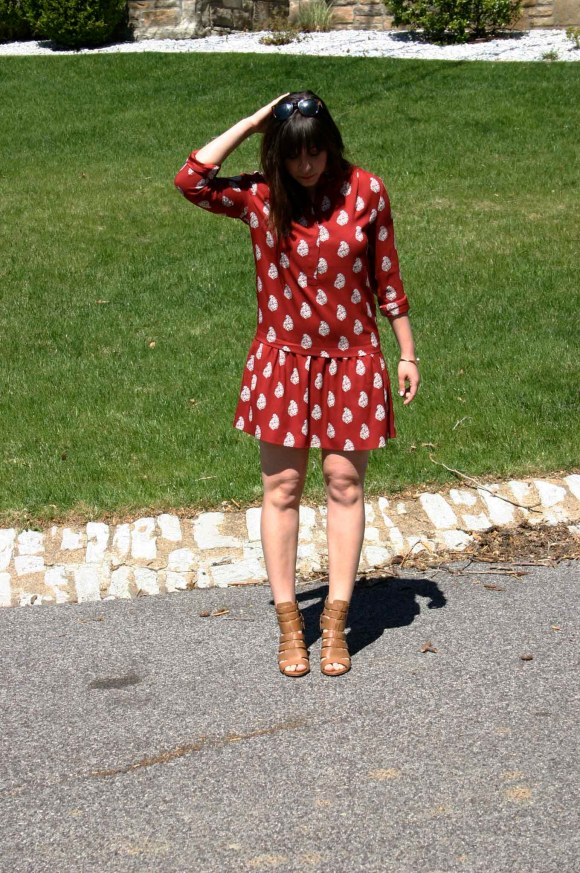Jeanne FBC LOFT red flippy dropped waist shirt dress Circus By Sam Edelman York Dress Sandals The Limited Gold Bangle Sunglasses 7