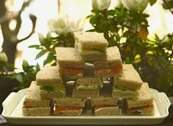 sandwichs-anglais-saumon-concombres