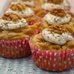 Cupcakes poires-roquefort-noix, glaçage fromage frais